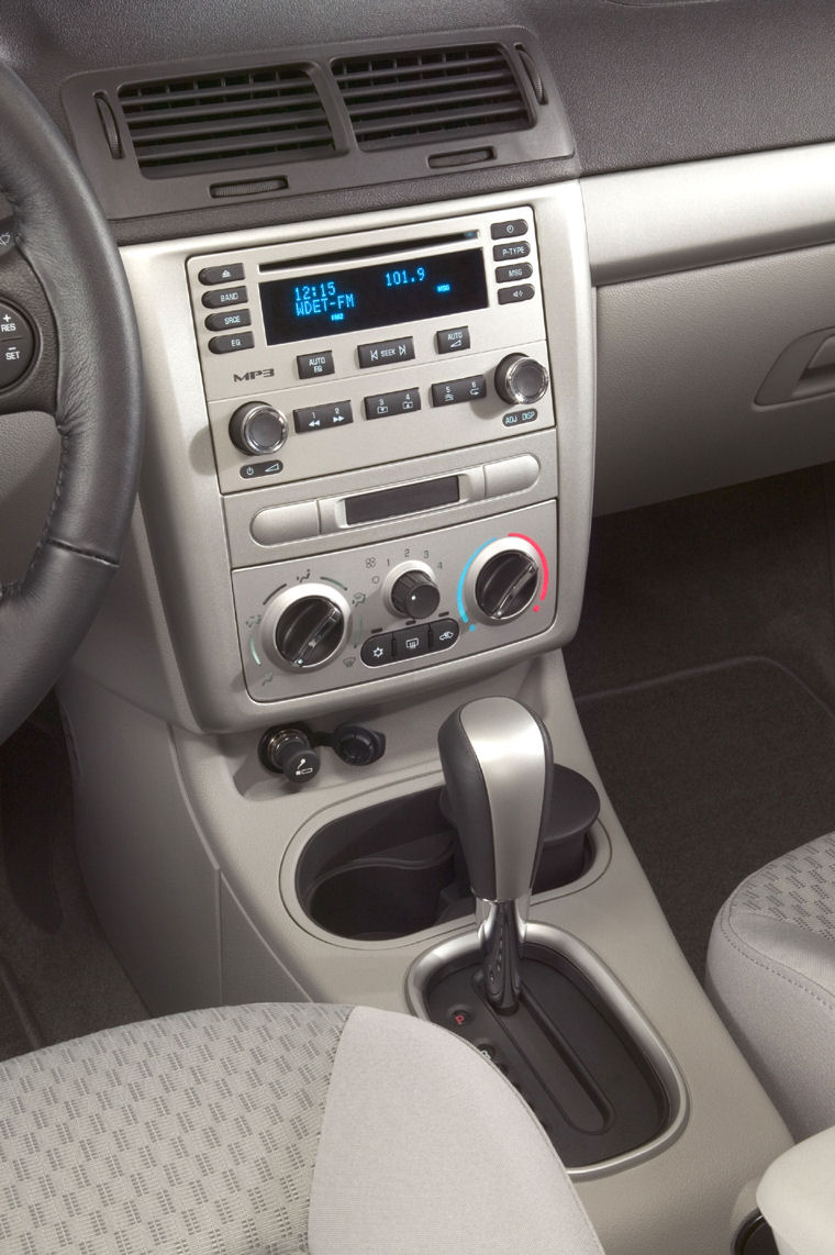2008 Chevrolet Cobalt Sedan Center Dash Picture Pic