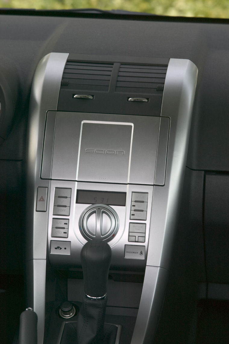 2005 Scion Tc Center Console Picture Pic Image