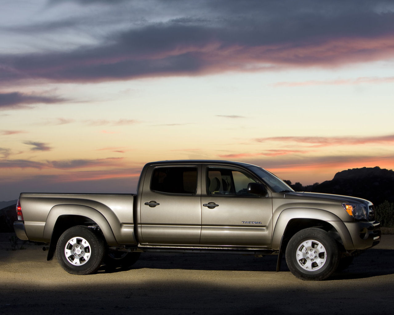 Tacoma Back Pages >> Toyota Tacoma, PreRunner, AWD, V6 - Free 1280x1024 Wallpaper / Desktop Background Picture