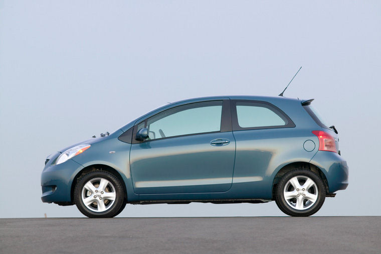 2008 Toyota Yaris Hatchback Picture Pic Image